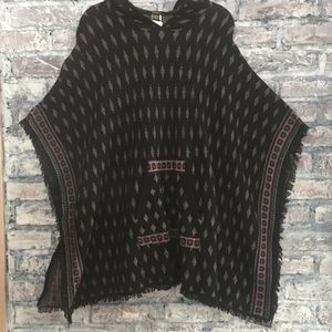 Poncho super soft with front pocket & hood
